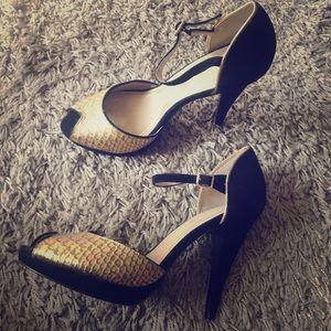 Juicy couture heels size 8